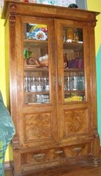 Продается антикварный немецкий шкаф довоенных времен.